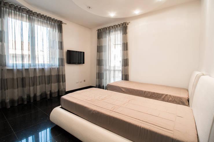 DIANA_Camera singola Camera da letto in stile classico di ErreBi Home Classico