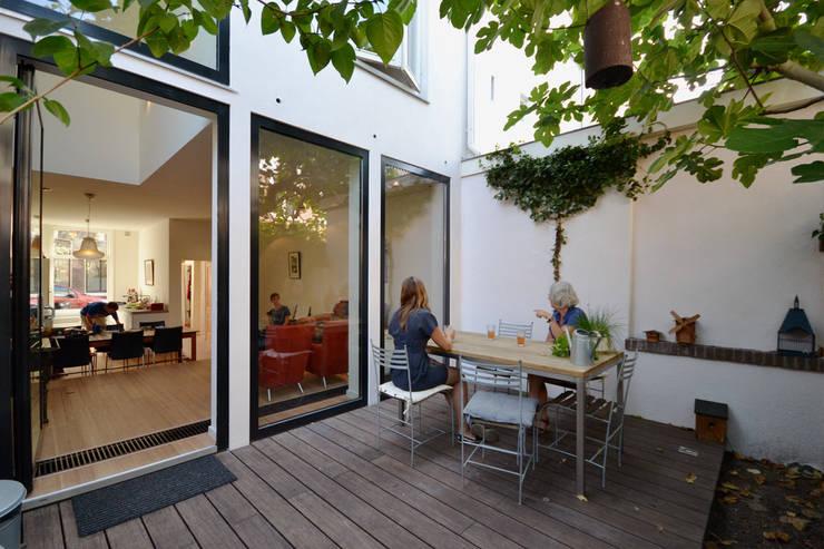 Tuin:  Tuin door ARCHiD, Modern