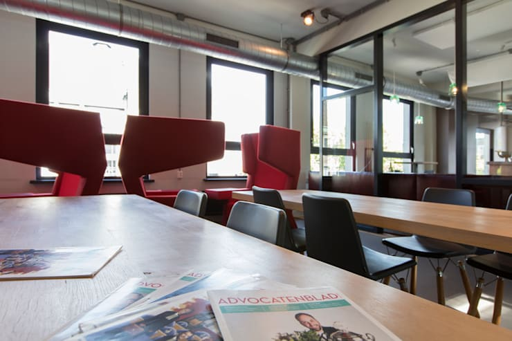 Interieurontwerp advocatenkantoor:  Kantoor- & winkelruimten door Yben Interieur en Projectdesign