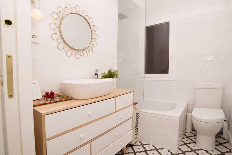 Banheiros  por Remake lab