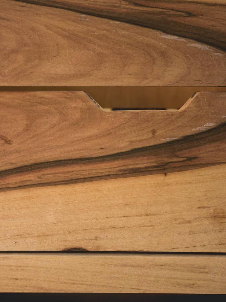 Detalle cajón: Baños de estilo  por Mon Estudio,