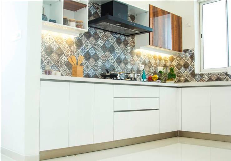 Fortius Waterscape—Model Flat:  Kitchen units by Renovatio Interio