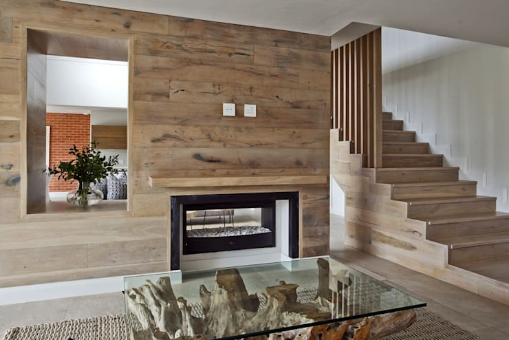 FinOak feature wall:  Walls by Finfloor, Modern Engineered Wood Transparent