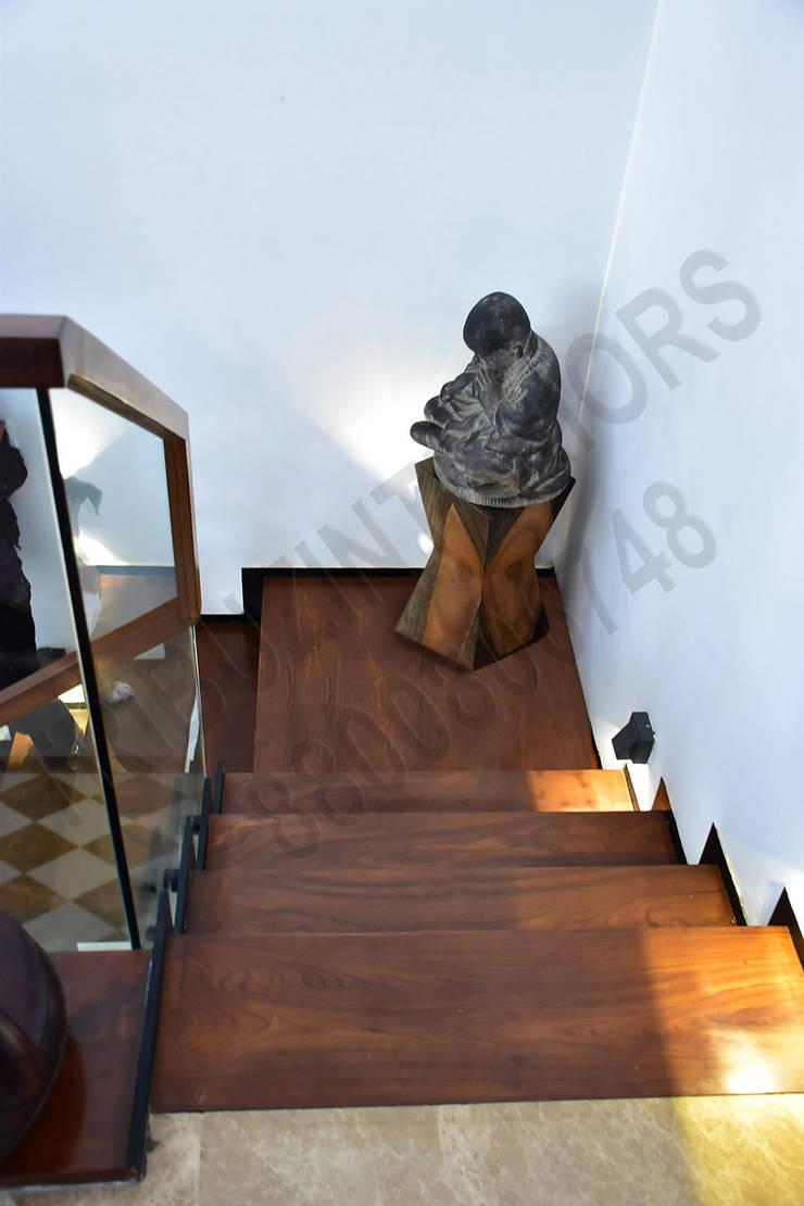 Heritage City:  Corridor & hallway by Tribuz Interiors Pvt. Ltd.