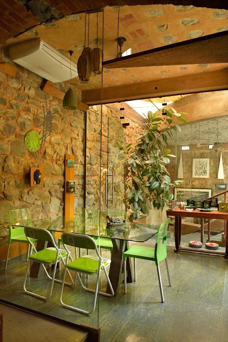 Green House:  Dining room by Tribuz Interiors Pvt. Ltd.,Eclectic