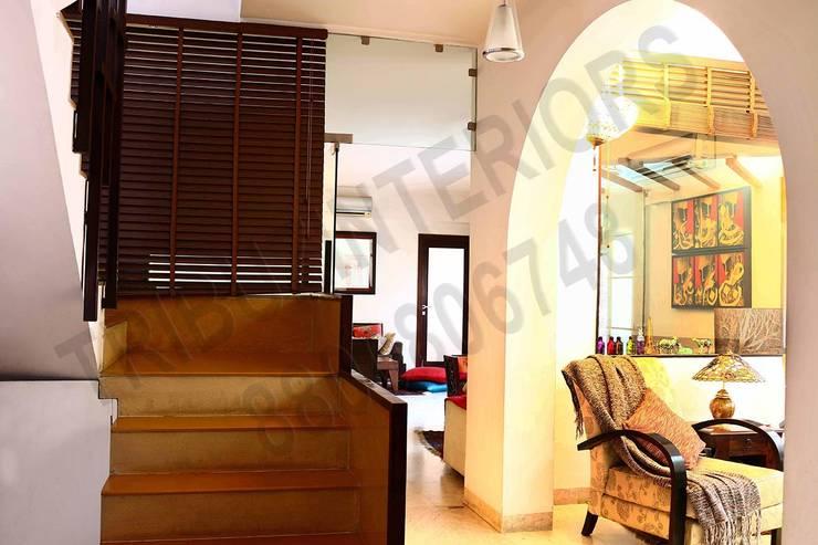 Heritage City 2:  Corridor & hallway by Tribuz Interiors Pvt. Ltd.