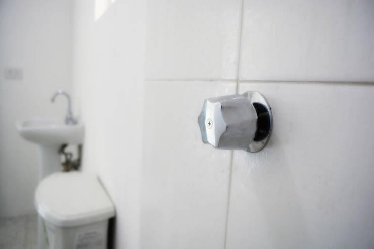 Detalle de baño: Baños de estilo  por gciEntorno