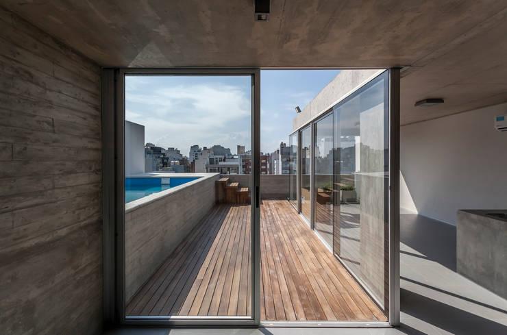 ATV14 / Ravignani 2170: Terrazas de estilo  por ATV Arquitectos