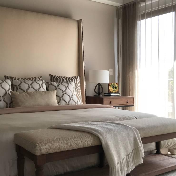 habitación principal: Habitaciones de estilo  por Ecologik