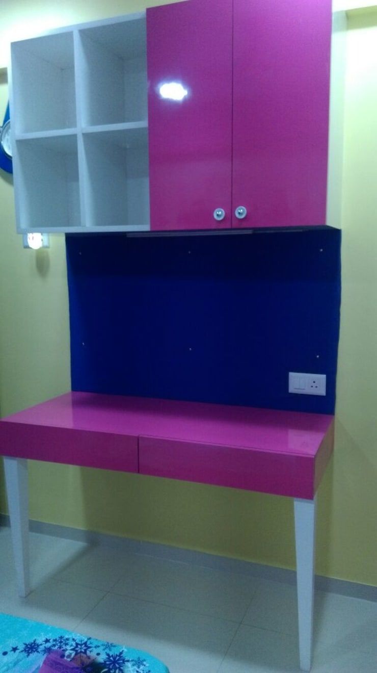 Hill Shire, Wagholi:  Girls Bedroom by Area Planz Design