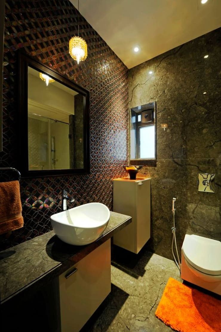 Neanpeanse Road, Mumbai: modern Bathroom by DesignTechSolutions