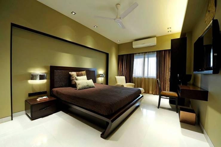 Neanpeanse Road, Mumbai: modern Bedroom by DesignTechSolutions