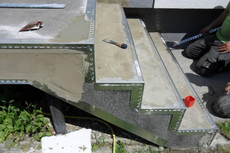 Bevorzugt Treppenrenovierung mit Steinteppich im Außenbereich von CG79