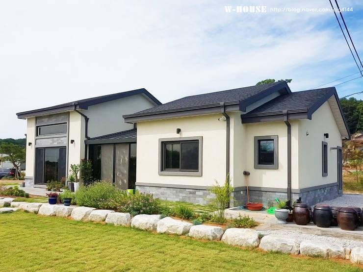 함라 신대리 2호 35평형 ALC전원주택 : W-HOUSE의  전원 주택,모던 콘크리트