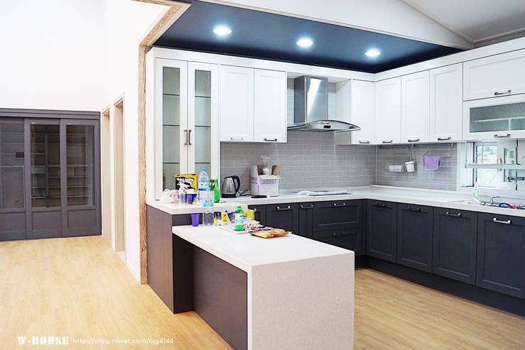 함라 신대리 2호 35평형 ALC전원주택: W-HOUSE의 현대 ,모던 금속