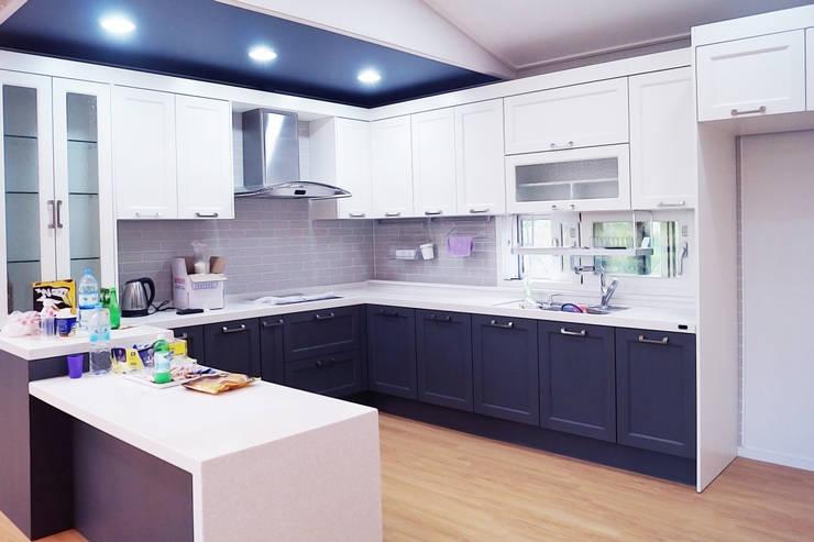 함라 신대리 2호 35평형 ALC전원주택: W-HOUSE의  주방 설비,모던 금속