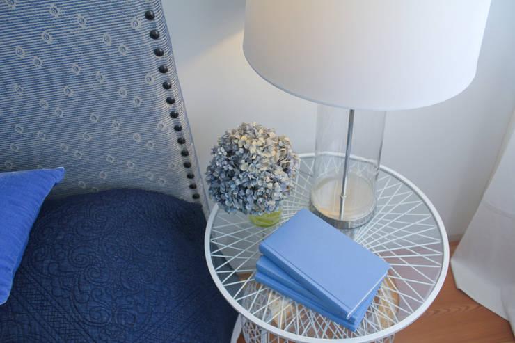 Bedroom feature Modern style bedroom by Tangerinas e Pêssegos - Design de Interiores & Decoração no Porto Modern Metal