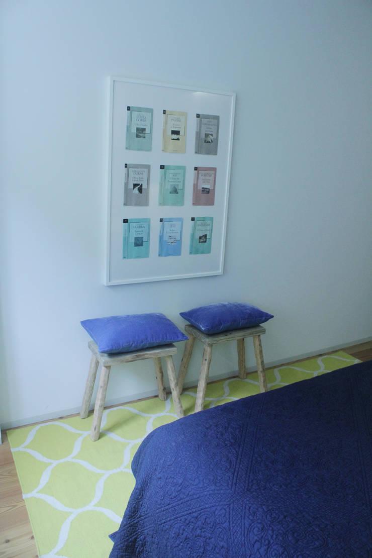 Bedroom feaure Modern style bedroom by Tangerinas e Pêssegos - Design de Interiores & Decoração no Porto Modern Wood Wood effect