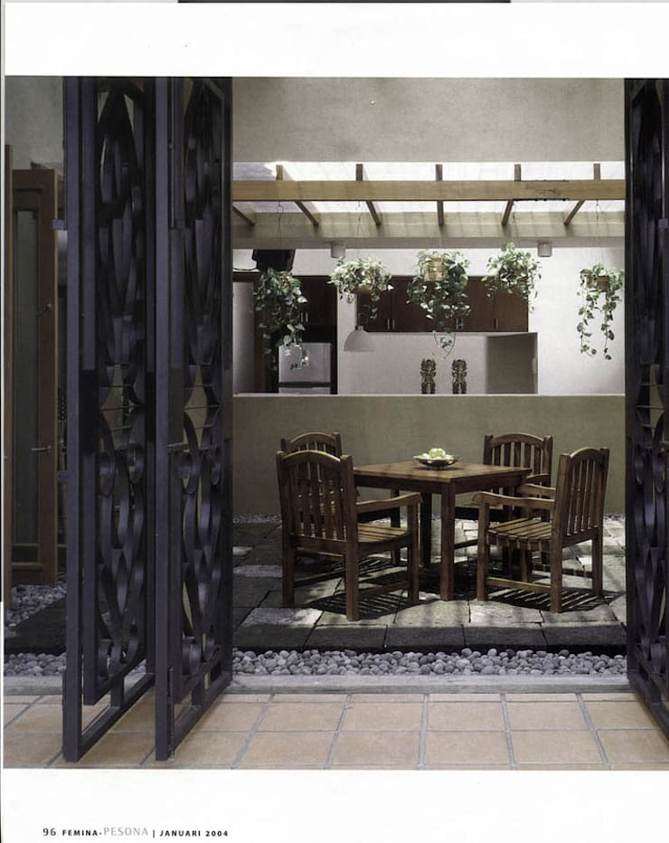 EKO & GRACE RESIDENCE: Gedung perkantoran oleh sony architect studio,