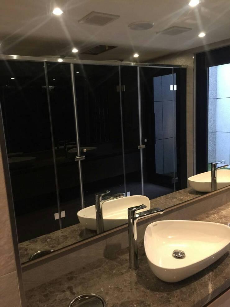 玻璃浴廁導擺:  玻璃門 by 中圓泰 / 淋浴拉門