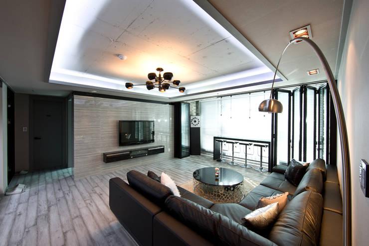 카페같은 32평 아파트 인테리어 거실: dual design의