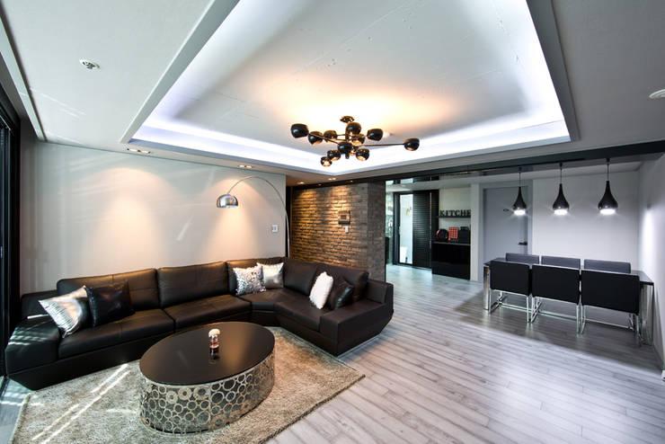 카페처럼 꾸민 32평인테리어 거실: dual design의