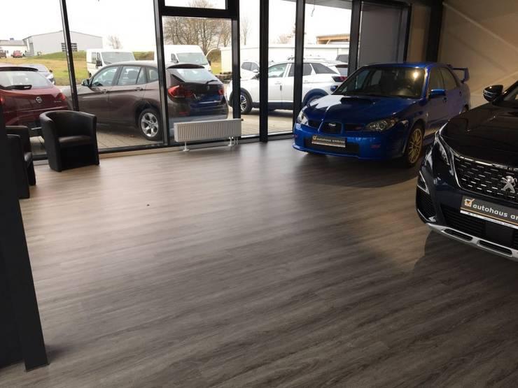 Pavimenti In Vinile Effetto Legno : Pavimento in vinile effetto legno in autosalone di onlywood homify
