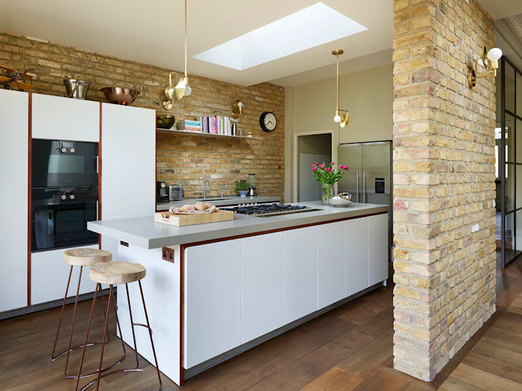 Modern meets Industrial:  Kitchen by Kitchen Architecture