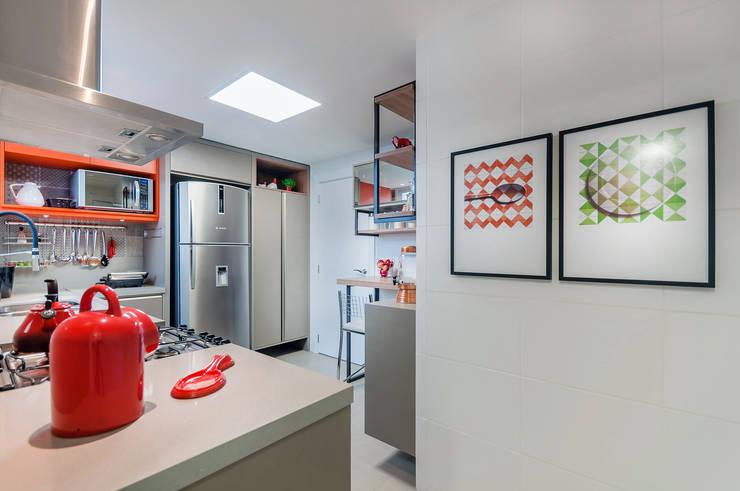Cozinha: Cozinha  por ME Fotografia de Imóveis