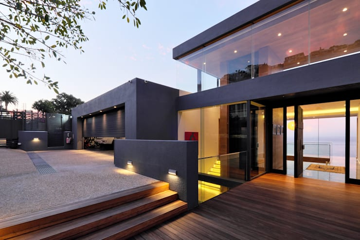 House Kloof Bantry Bay, Cape Town:  Villas by KMMA