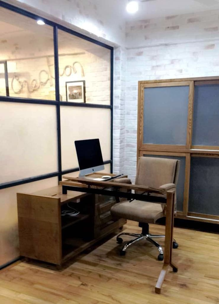 OFFICE - WORKSTATION _1:  Study/office by DESIGNER'S CIRCLE,Modern