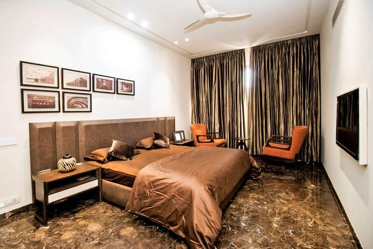 BEDROOM -1 :  Bedroom by DESIGNER'S CIRCLE