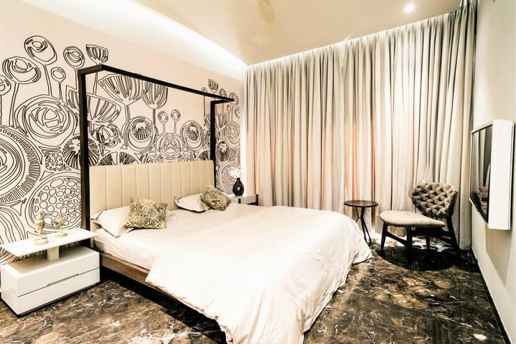 BEDROOM - 2:  Bedroom by DESIGNER'S CIRCLE