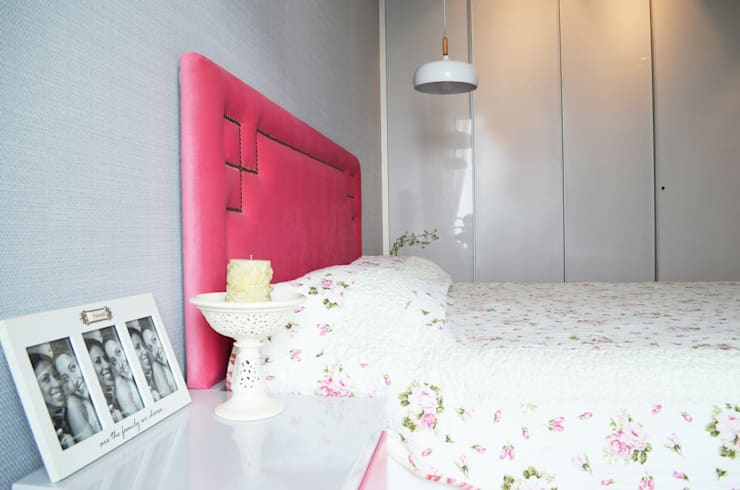 Residential: minimalistic Bedroom by KAY'S DESIGN LAB