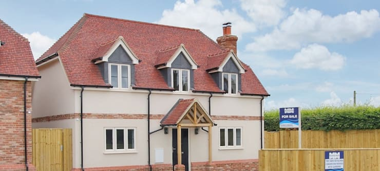 2 Detached Houses in Wiltshire: modern Houses by D&N Construction Limited