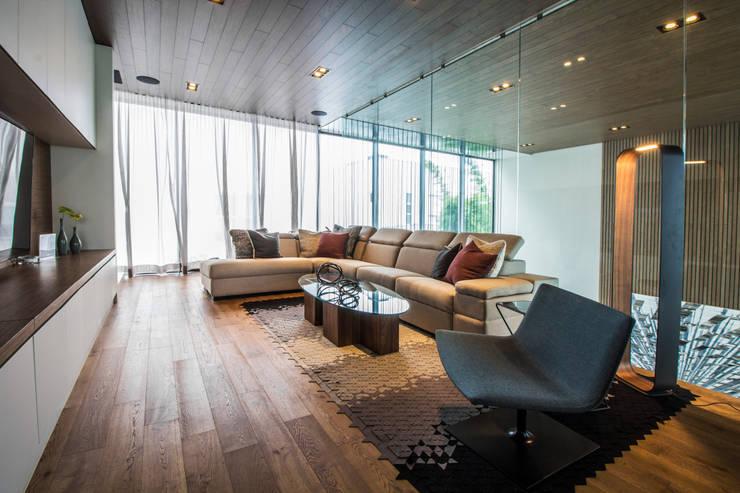 Casa del Tec, Residencia Ithualli: Salas de estilo  por IAARQ (Ibarra Aragón Arquitectura SC)