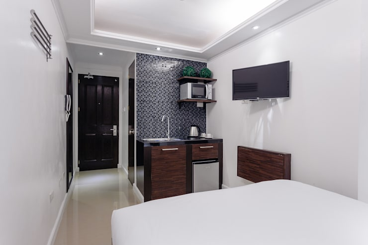 Nest Nano Suites Condo Hotel in Makati:  Hotels by SNS Lush Designs and Home Decor Consultancy