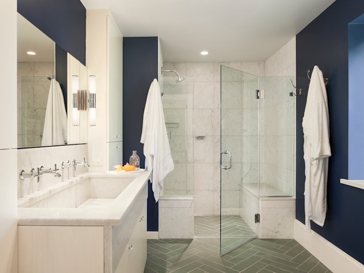 Cohen House:  Bathroom by Metcalfe Architecture & Design