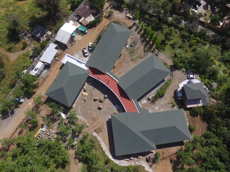 Aérea plana: Casas de estilo  por Plan V Arquitectos Ltda