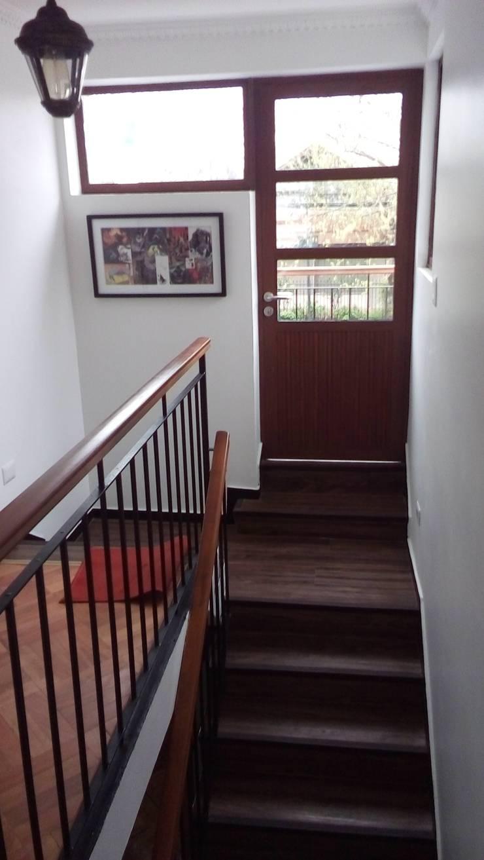 Escalera: Escaleras de estilo  por MSGARQ