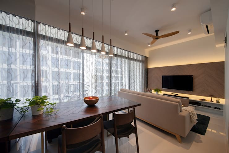 THE SKYWOODS: scandinavian Living room by Eightytwo Pte Ltd