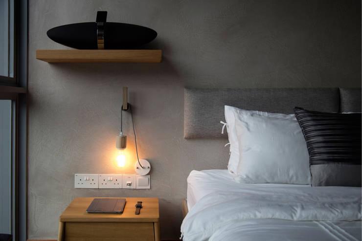HILLSTA:  Bedroom by Eightytwo Pte Ltd
