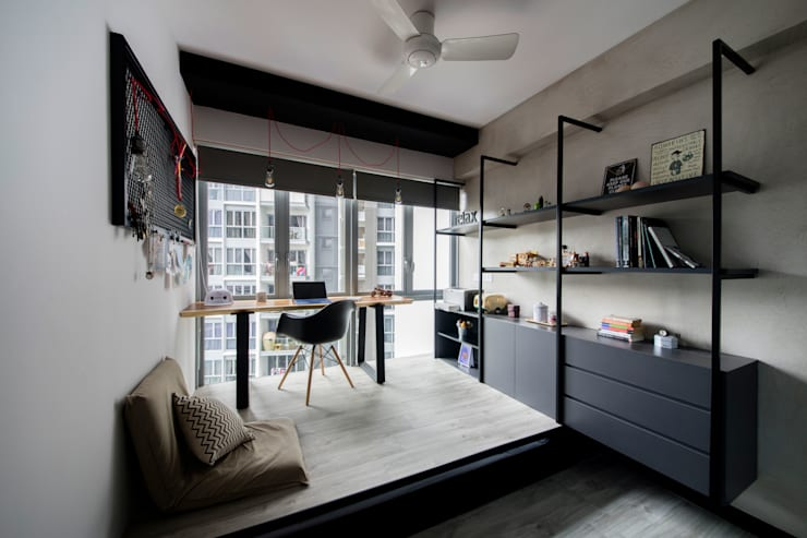 HILLSTA:  Study/office by Eightytwo Pte Ltd,Industrial Wood Wood effect