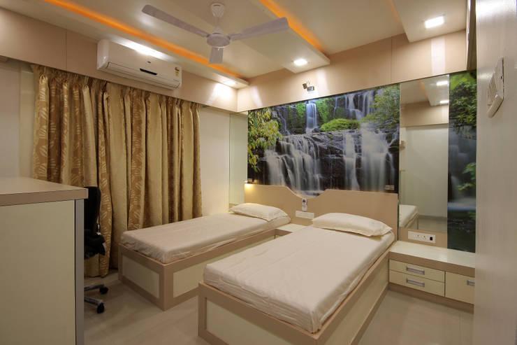 Residence -  Mr. Mane, Pune.:  Bedroom by Spaceefixs
