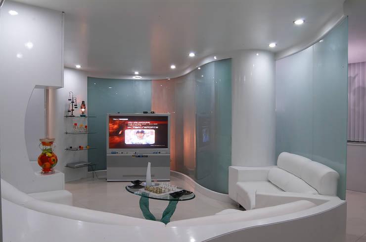 Studio Apartment - Parmar , Pune.:  Living room by Spaceefixs