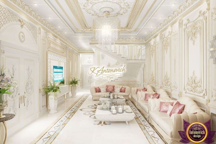 ​The brilliance of luxury in the interiors of Katrina Antonovich:  Corridor & hallway by Luxury Antonovich Design, Classic