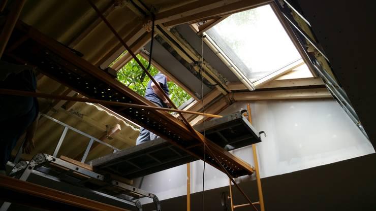 Rehabilitación de cubiertas de vivienda unifamiliar: Tejados de estilo  de A-kotar