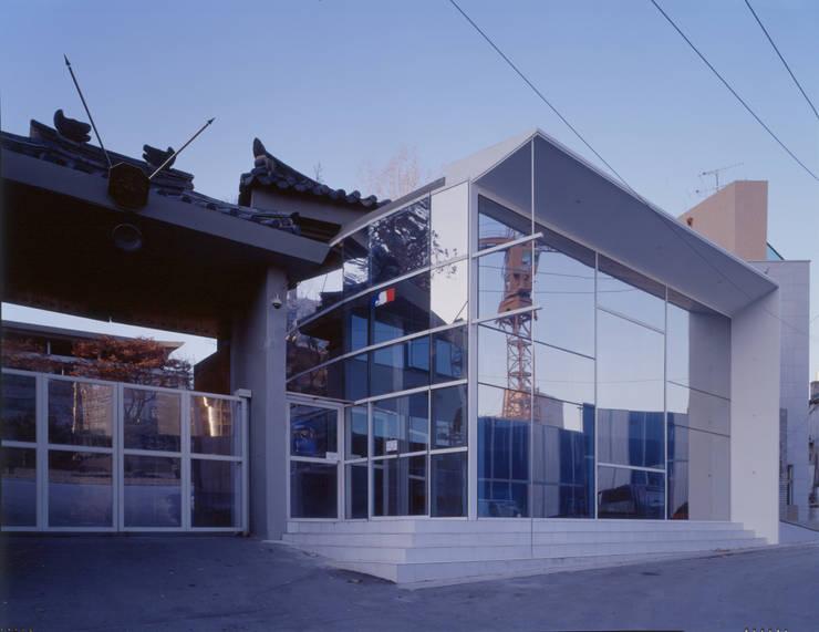 프랑스대사관 비자빌딩: D.P.J & Partners의  회사,모던