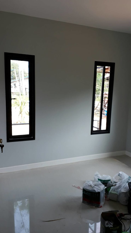 เพรชบุรี:  หน้าต่าง by P Knockdown Style Modern