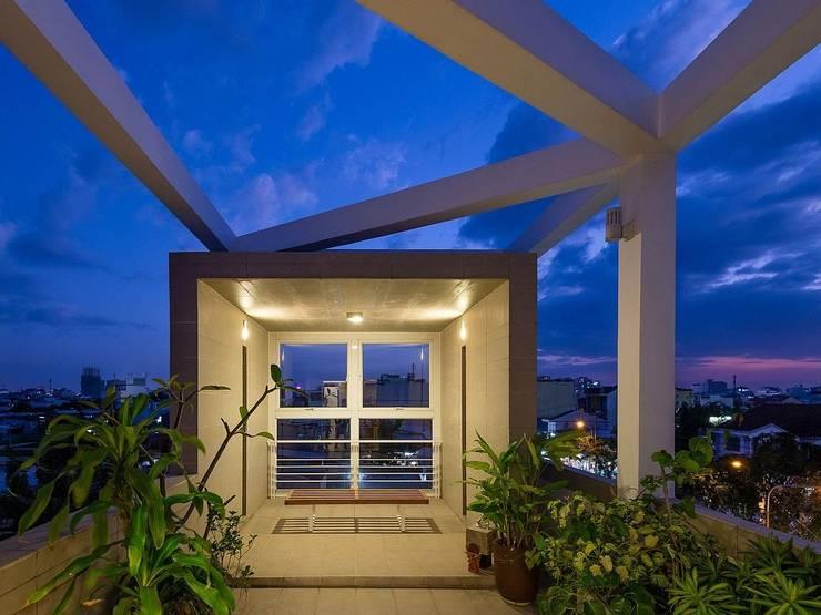 Sân thượng:  Hiên, sân thượng by Công ty TNHH Xây Dựng TM – DV Song Phát